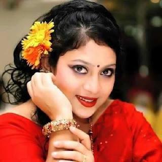 Shabnur Bangladeshi Actress In Red Saree