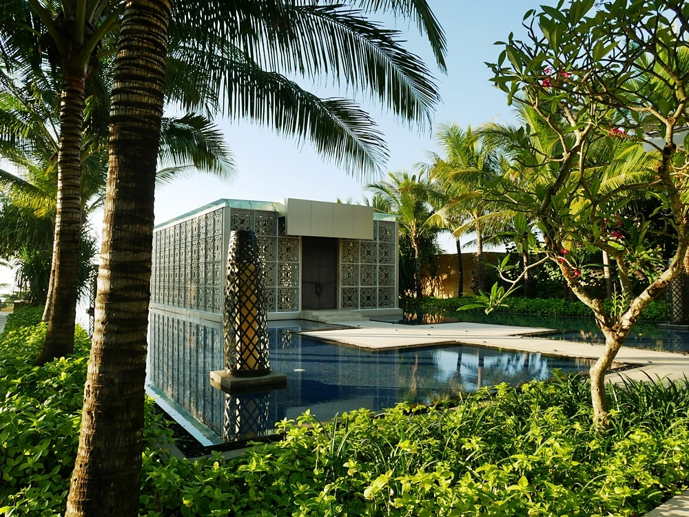DELUXSHIONIST CHECK IN TO THE MULIA BALI RESORT & VILLAS