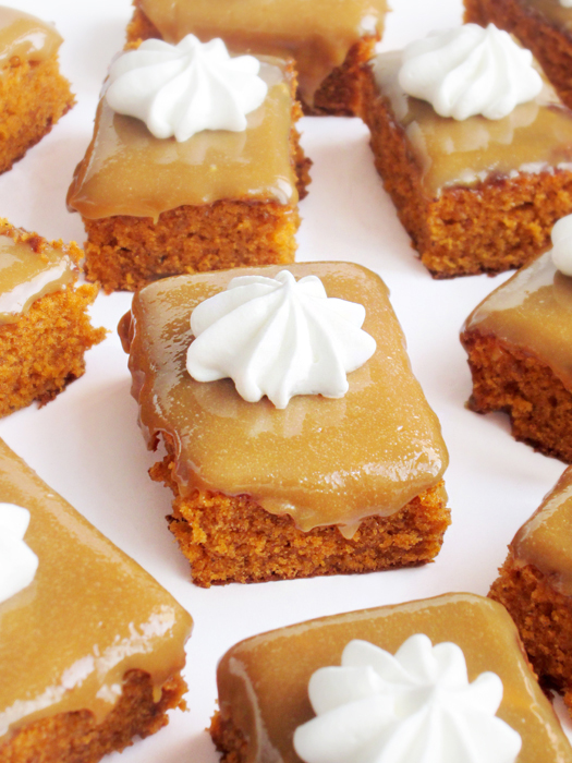 Caramel pumpkin snack cake recipe tinascookings.blogspot.com