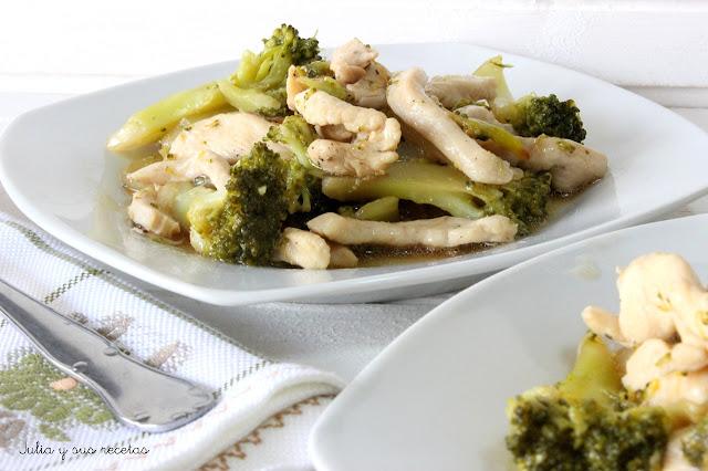 Brocoli con pollo. Julia y sus recetas