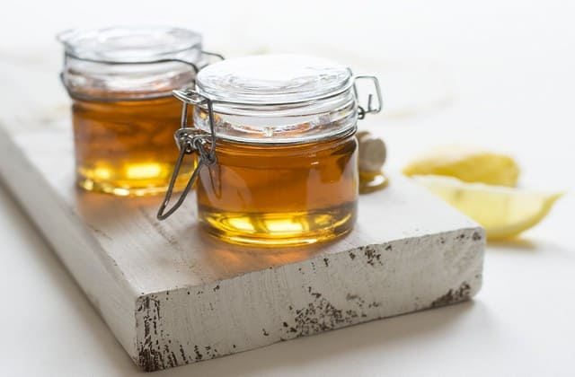 madu untuk menghilangkan kerutan dibawah mata