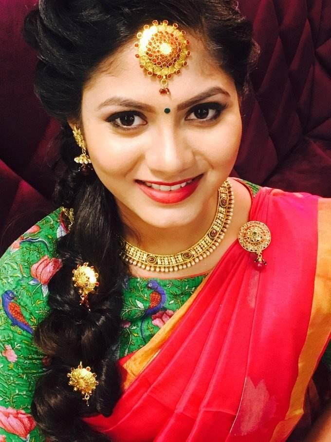 Telugu Reddy Girl Shruti Reddy Stills In Red Traditional Saree