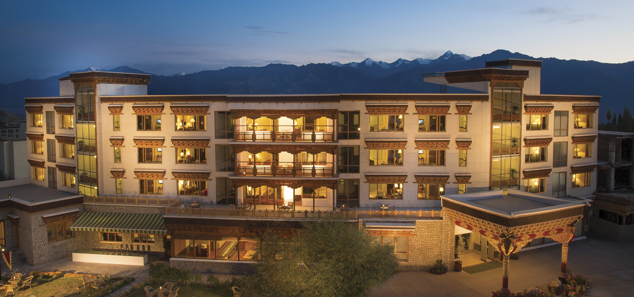 Luxury hotels in leh ladakh hospitable hotels in ladakh for Luxury hotel guide