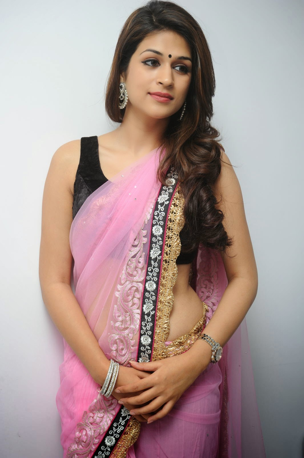shraddha das Age, Height, Affairs, Family, Education, Wiki, Husband