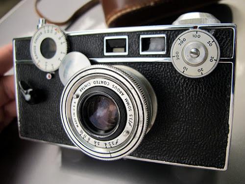 Máquina fotográfica quem jeitão antigo - Argus