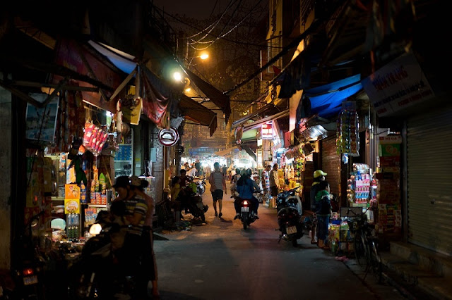 The Hanoi Old Quarter morphs into a different being at night 5