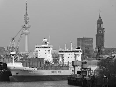 Hamburg Fotos kostenlos, Kostenlose Bilder von hamburg, Hamburg Hafen grau und schwarz weiss