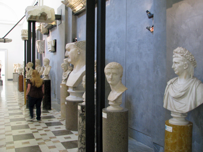 Palazzo Farnese: a Papal Family and their Majestic Palaces in Rome, Caprarola and Piacenza