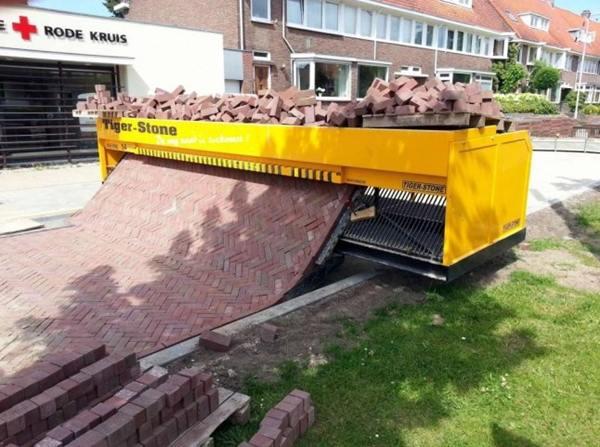 mesin pemasang paving