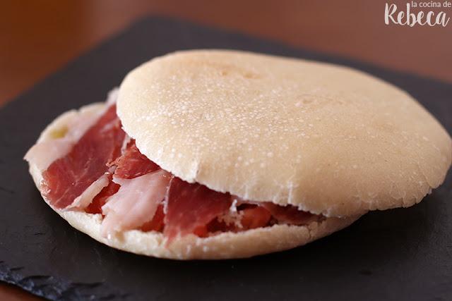 Pan mollete con jamón