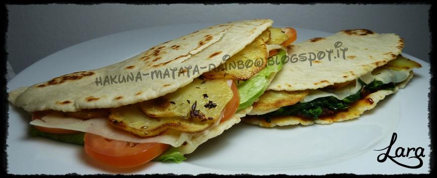 http://cucinaconlara.blogspot.it/2014/11/piadina-con-pasta-madre.html