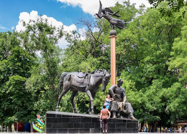 Пам'ятник отаману Головатому в Одесі