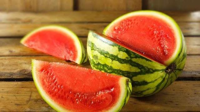 كيف أختار البطيخ - طريقة أختيار البطيخ - كيف أختار البطيخ الجيد - الطريقة الصحيحة لأختيار البطيخ - كيف أعرف أن البطيخة حمرة