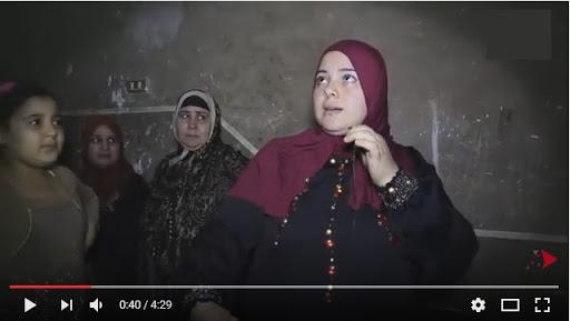 """شاهد بالفيديو- رئيس مباحث """"اوسيم"""" يجهض سيدة ويصيب اخرى بنزيف اثناء تفتيش بيتهم"""