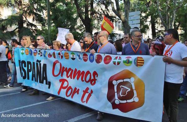 """Evangélicos en """"España oramos por ti"""""""