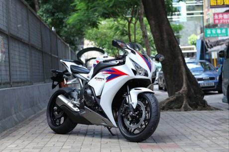 2012 New Honda CBR 1000RR.jpg