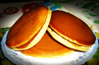 Membuat Kue Dorayaki