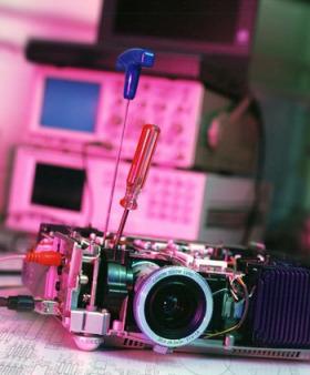Sửa máy chiếu sony giá rẻ tại Đại Phát