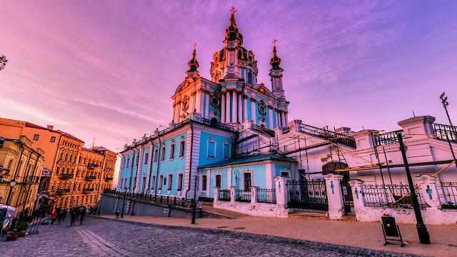 Андреевская церковь (Andriyivskyy Descent)