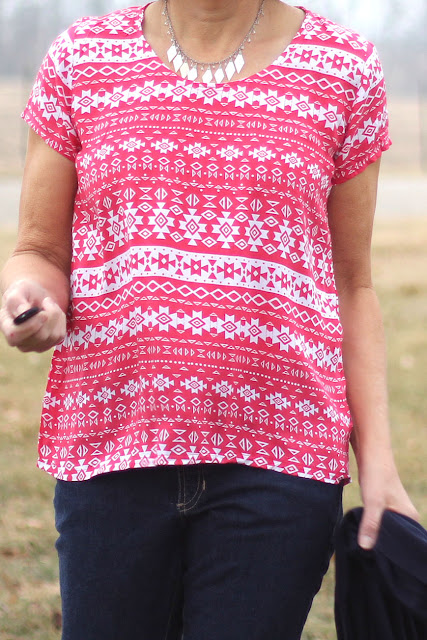 Grainline Patterns Scout tee made with Mood Fabrics