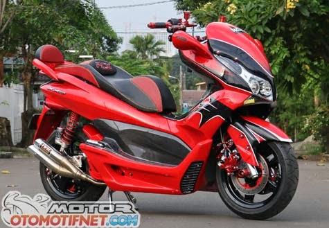 Modifikasi Honda PCX 150 Merah Elegant  GOGOBLOG