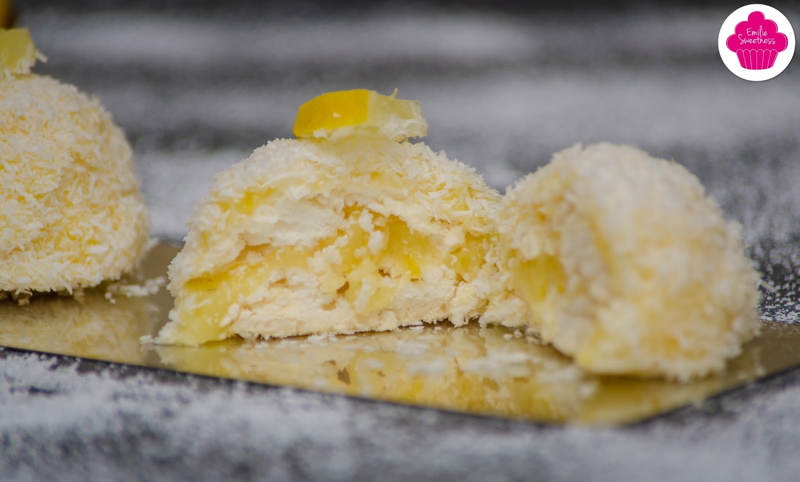emilie sweetness merveilleux citron coco un dessert meringu 233 avec du lemon curd et de la noix