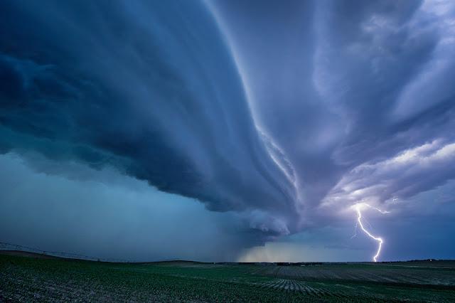 Lightning & Supercell in South Dakota