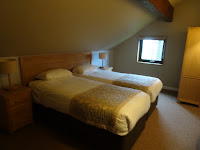 twin room in grassholm bluestone