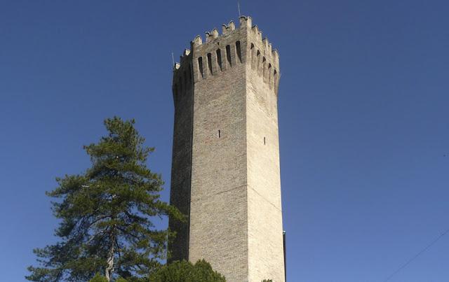 La torre eptagonale di Moresco