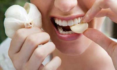 Por qué el ajo y la cebolla provocan mal aliento