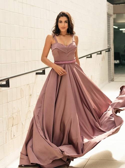 vestido de festa longo goiaba