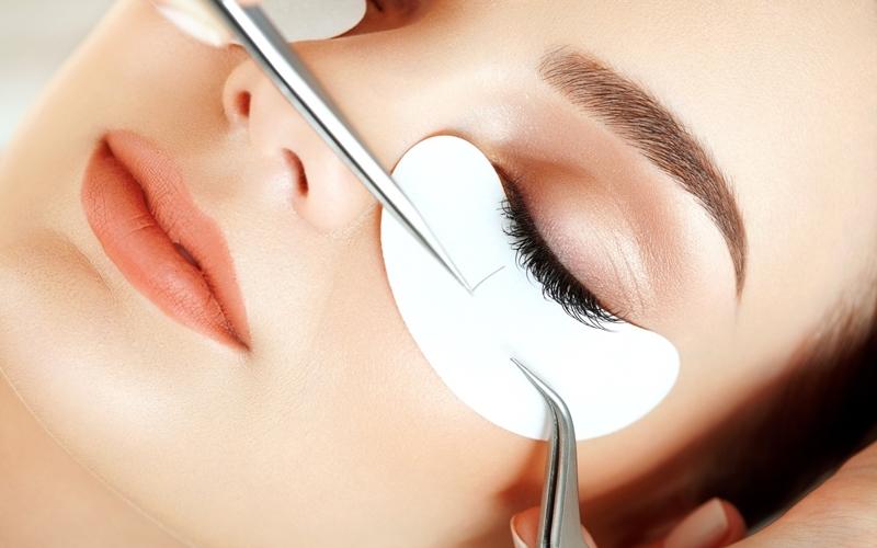 Dikkatli Kullanmanız Gereken 8 Kozmetik Ürünü