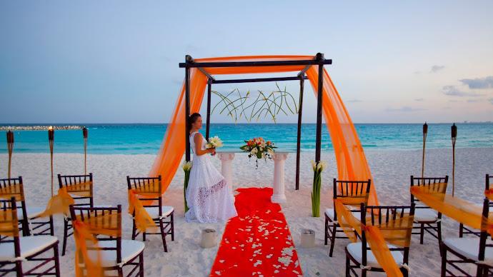 Wallpaper: Wedding ceremony at Krystal Cancun