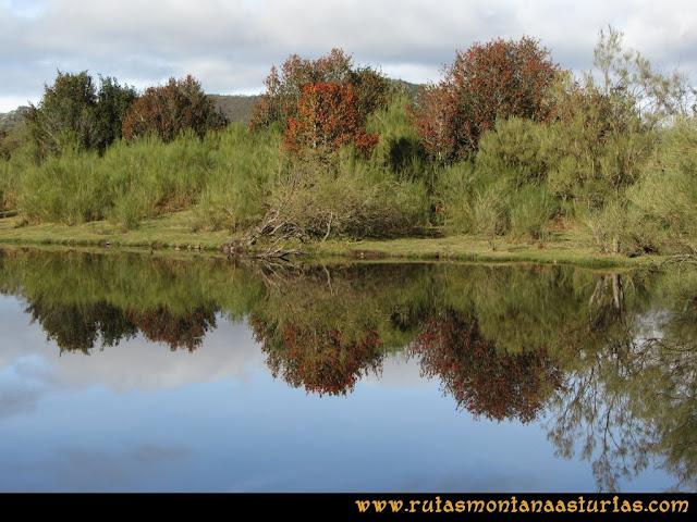 Ruta Tromeu y Braña Rebellón: Laguna de la Canalada