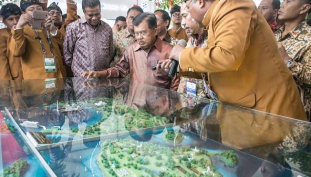 Busana Para panitia peresmian tambang Minyak di Bali yg diresmikan ...