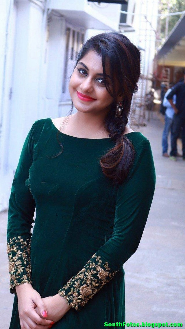 Meera Nandan HD Pics