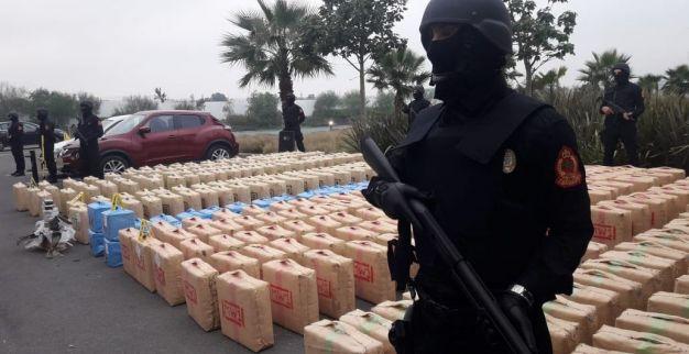 """بمساعدة """"الديستي"""".. الفرقة الوطنية تطيح بشبكة للاتجار الدولي في المخدرات"""
