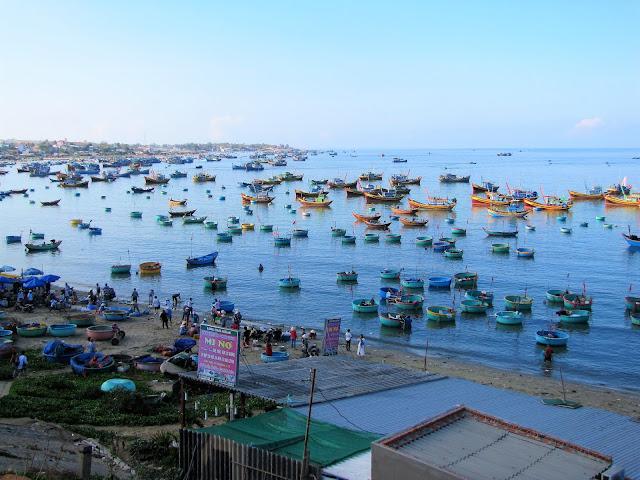 mui ne harbor vietnam