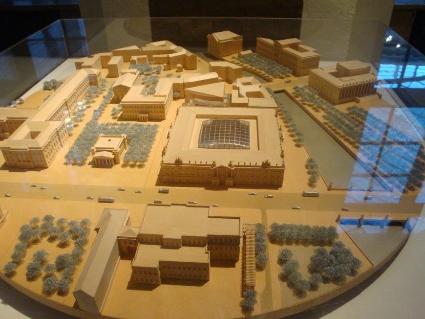 Zeughaus - Deutsches Historisches Museum em Berlim - Alemanha