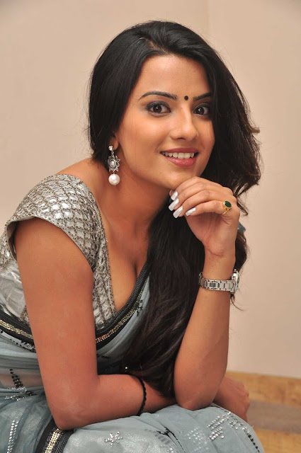 J, Jyothi, Jyothi hot pics, HD Actress Gallery, latest Actress HD Photo Gallery, Latest actress Stills, latest HD images, Hot saree pics, Saree pics, Telugu Movie Actress, Tollywood Actress, Indian Actress,Jyothi Latest Hot Saree exposing pics