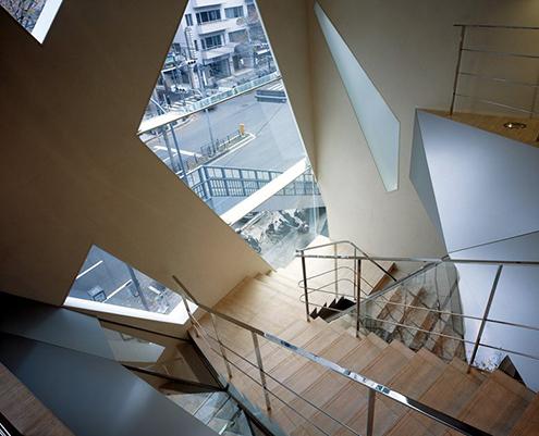 tods-building-omotesando-tokyo-japan-toyo-ito-architecture-drawings-tod%2527s-tienda-edificio-detalle-fachada-hormigon-estructura-arquitectura-organica-zapatos-bolsos-marca-italiana-inspiracion-arboles-planos-calle-avenida-japon-inspiracion