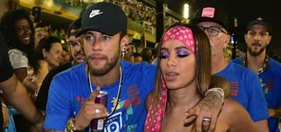Neymar e Anitta juntinhos no Carnaval