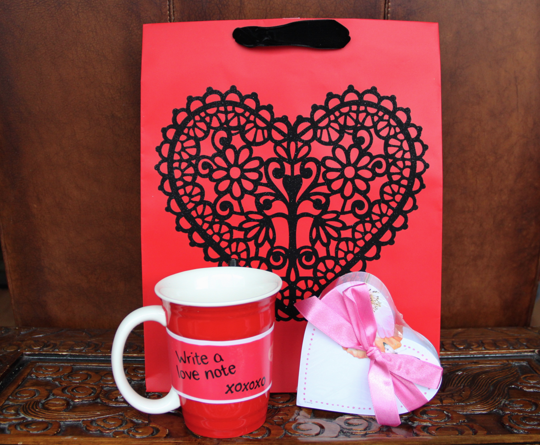 Hallmark Love Cup and Heart Memo Pad - Diana #LoveHallmarkCA