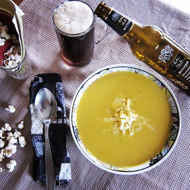 παράξενο πιρούνι, paraxeno pirouni, σούπα μπύρας, σούπα με μπύρα, κερκυραϊκή σούπα, κερκυραϊκή μπύρα με σούπα, μπύρα με σούπα, σούπα με μπύρα, σούπα με ποπ κορν