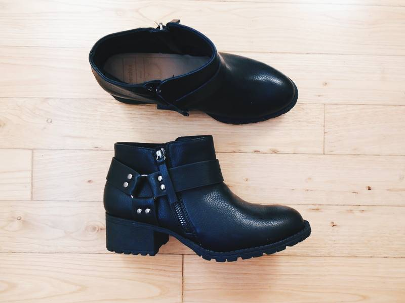 NEW IN \ Black boots