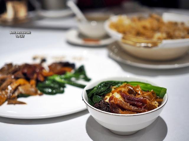 Chinese New Year Set Menu - Wan Chun Ting - Menu - Stewed Rice & Waxed Meat Served In Casserole