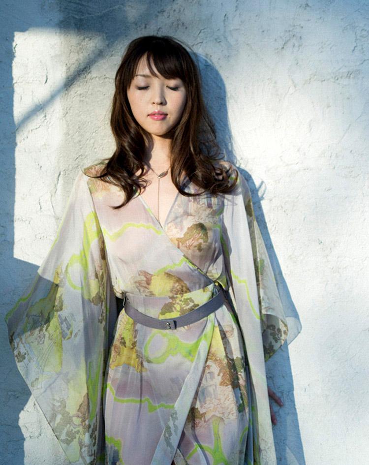 mae otsuka sexy japanese idol 01
