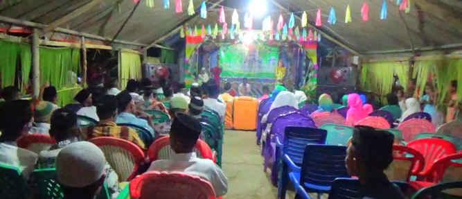 Mahasiswa Desa Kelibingan kecamatan Pulau Gorom, Seram Bagian Timur merayakan Halal Bi Halal, untuk mempererat silaturahmi masyarakat setempat demi suksesnya program pembangunan di daerah ini, pekan kemarin.