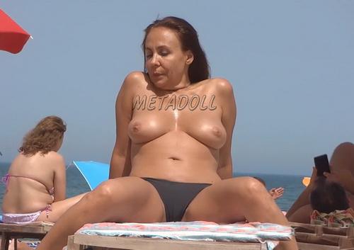 Beautiful Naked Girls at Nudist Beach Voyeur (NudeBeach sb16001-16010)