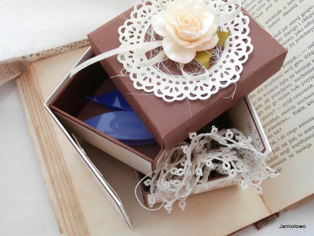 scrapbooking- nietypowy box z szufladkami